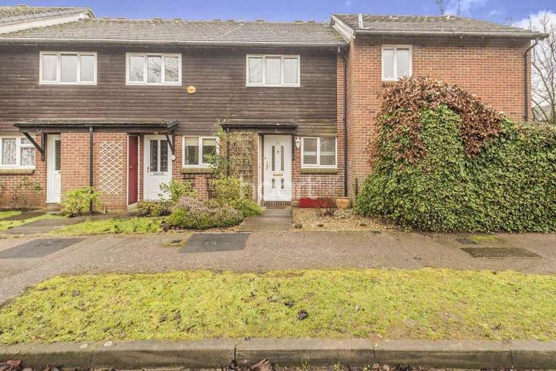 2 Bedrooms Terraced House for sale in Ploughmans End