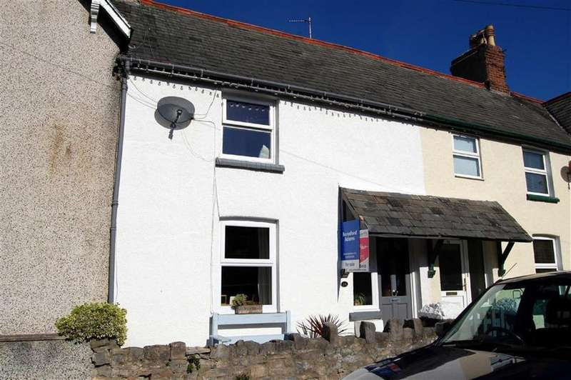 2 Bedrooms Terraced House for sale in Jubilee Street, Llandudno, Conwy