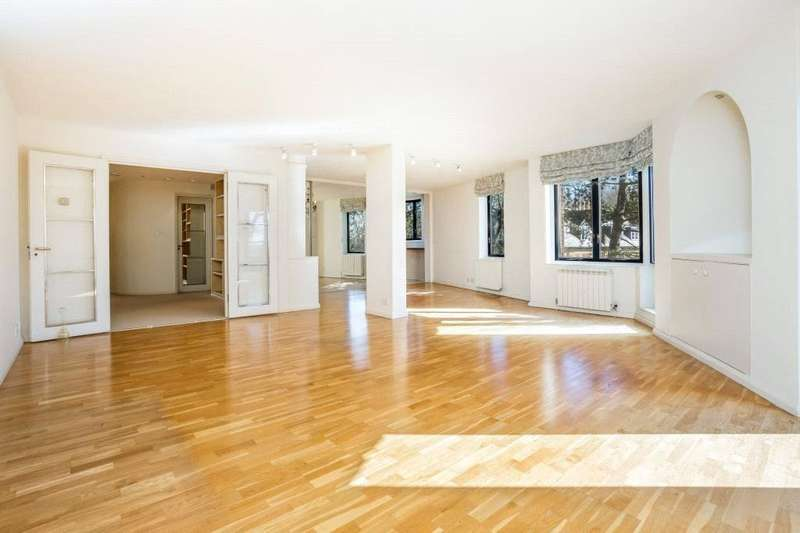 3 Bedrooms Flat for sale in Savoy Court, Firecrest Drive, Hampstead, London, NW3