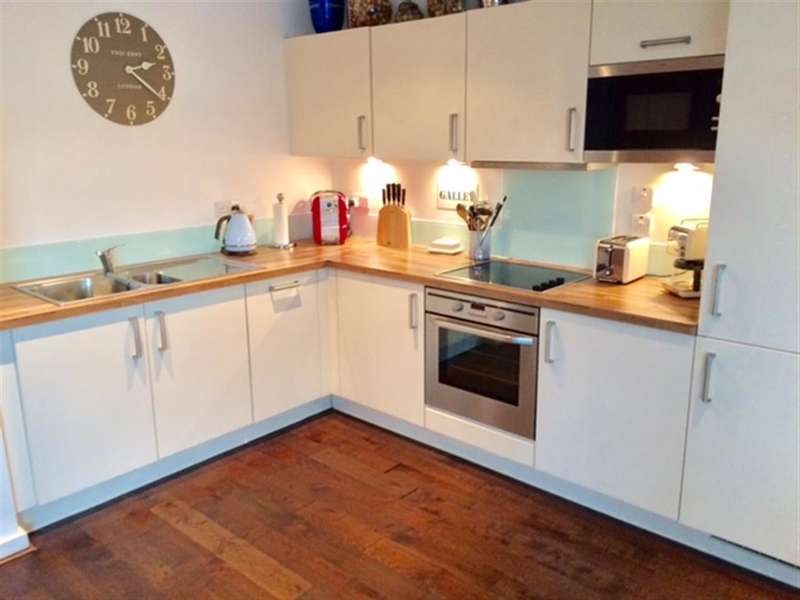 2 Bedrooms Apartment Flat for sale in Gunwharf Quays, Portsmouth, Hampshire