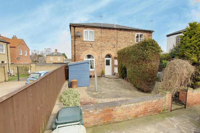 2 Bedrooms Semi Detached House for sale in West Cottage, Chapel Street, Alford