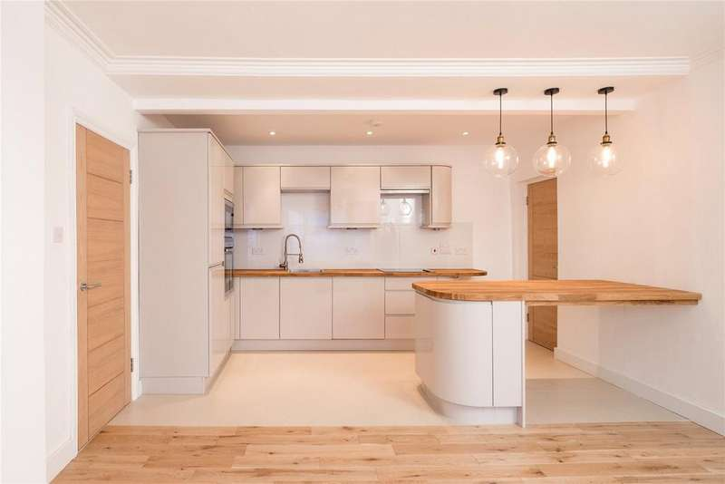 2 Bedrooms Flat for sale in Wellesley Road, Chiswick, London