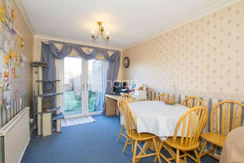 3 Bedrooms Semi Detached House for sale in Brooksfield