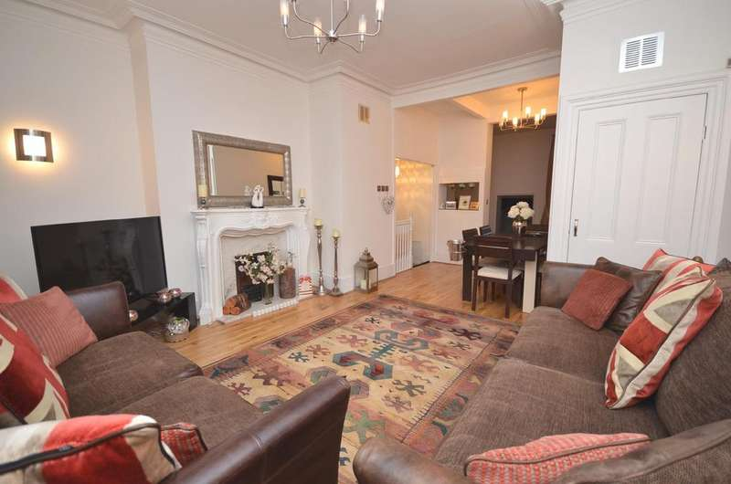 2 Bedrooms Maisonette Flat for sale in Gosforth