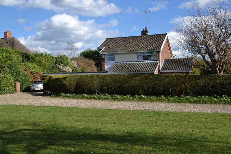 4 Bedrooms Detached House for sale in Thorpe End, Norwich