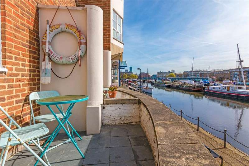2 Bedrooms Flat for sale in Aland Court, Finland Street, London, SE16