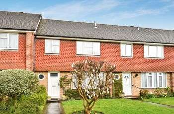 3 Bedrooms Terraced House for sale in Hollybrake Close, Royal Parade Area, Chislehurst, Kent, BR7 6NT