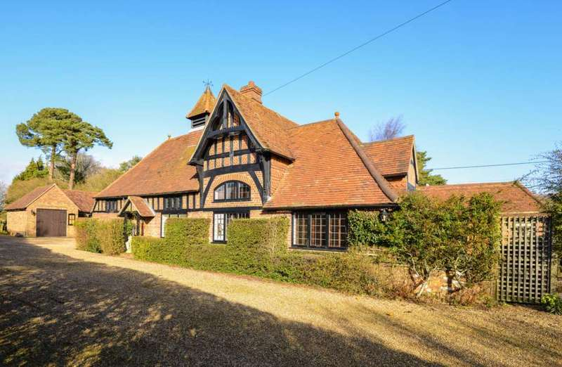 5 Bedrooms Detached House for sale in Beaney Farm, Little Gaddesden
