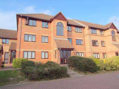 2 Bedrooms Flat for sale in Thorpe Park, Norwich, Norfolk