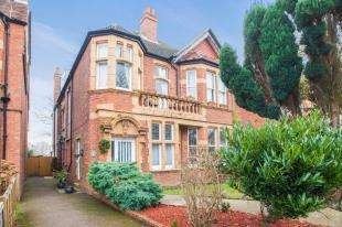 4 Bedrooms Maisonette Flat for sale in Turketel Road, Folkestone, Kent, England