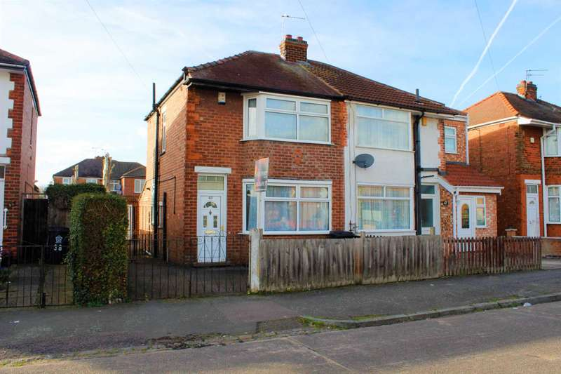 3 Bedrooms Semi Detached House for sale in Roseway, Rushey Mead