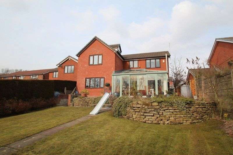 5 Bedrooms Property for rent in 14 Albury Drive, Norden, Rochdale OL12 7SX