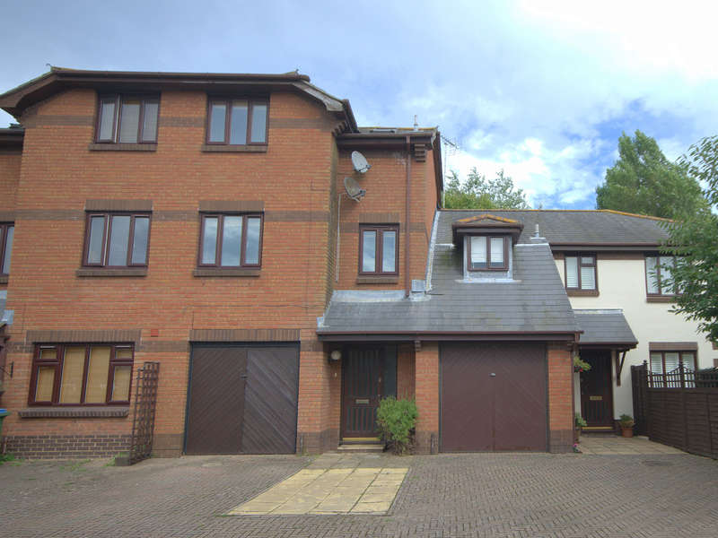 3 Bedrooms Town House for sale in Penfolds Place, Arundel