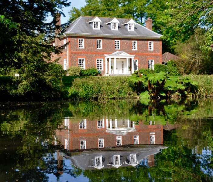 7 Bedrooms Detached House for sale in Pilgrims Lakes, Maidstone, Kent, ME17