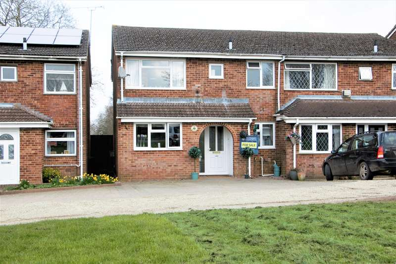 3 Bedrooms Semi Detached House for sale in Derwent Road, Basingstoke, RG22