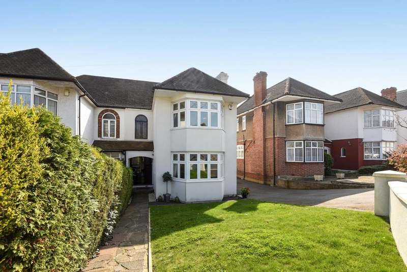 4 Bedrooms Semi Detached House for sale in Sheringham Avenue, Southgate, N14