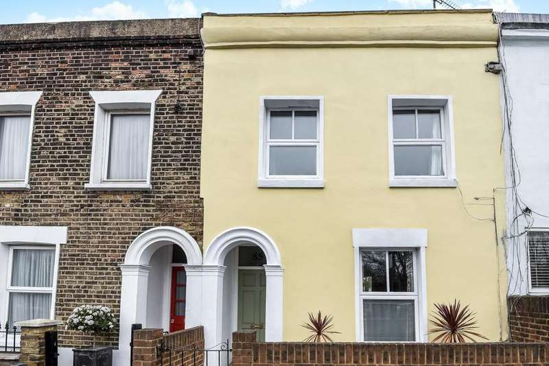 2 Bedrooms Terraced House for sale in Latchmere Road, Battersea Park, SW11