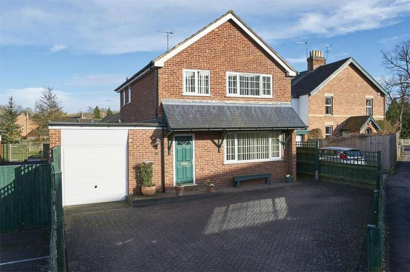 3 Bedrooms Detached House for sale in Rectory Lane, Little Bowden, Market Harborough, Leicestershire