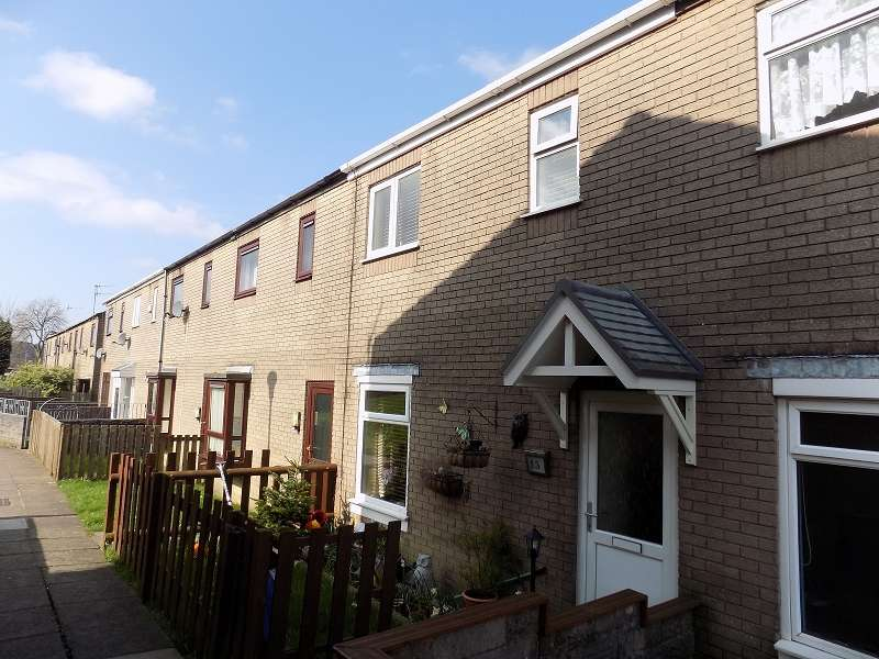 3 Bedrooms Terraced House for sale in Queens Avenue, Sarn, Bridgend. CF32 9SS