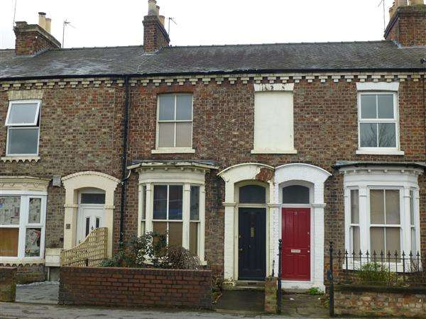 2 Bedrooms Terraced House for sale in Poppleton Road, York