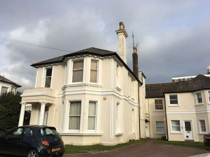 2 Bedrooms Flat for sale in Tennyson Road, Worthing