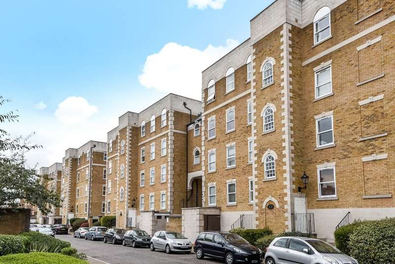 3 Bedrooms Flat for sale in Mountbatten Court, Rotherhithe