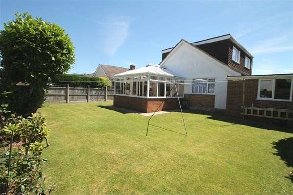 3 Bedrooms Detached House for sale in St Johns Way, Densole, FOLKESTONE