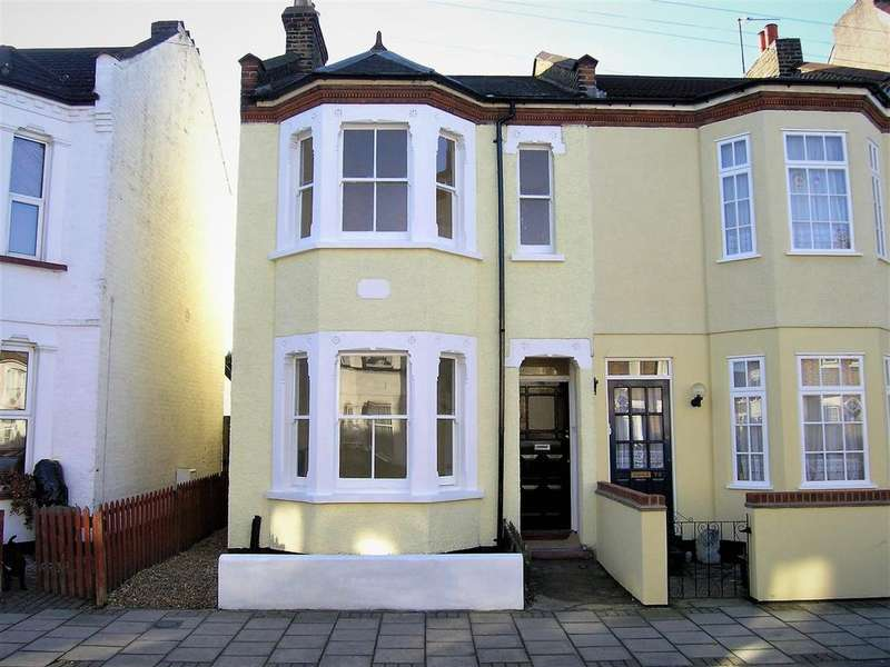 3 Bedrooms Semi Detached House for sale in Bromley Gardens, Bromley