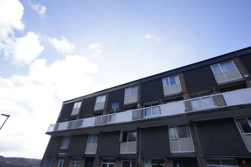 2 Bedrooms Apartment Flat for sale in Abney Close, Gleadless Valley, Sheffield, S14 1PA