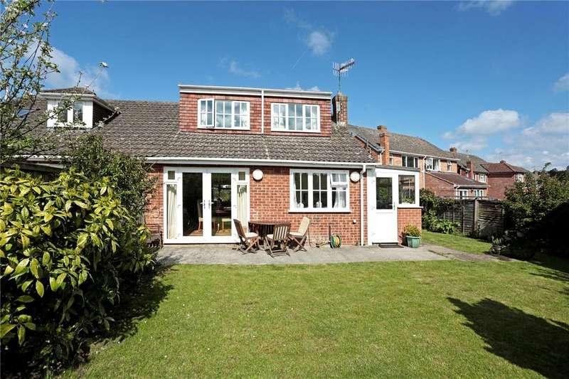 2 Bedrooms House for sale in Barrow Close, Marlborough, Wiltshire