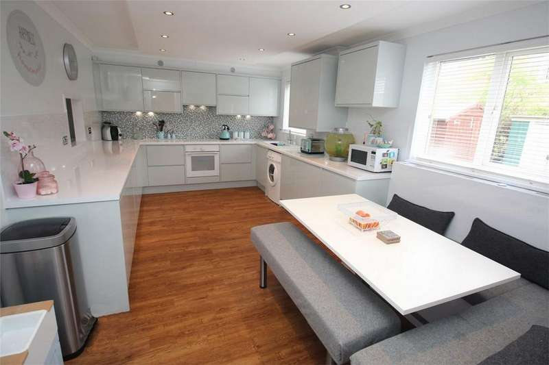 4 Bedrooms Terraced House for sale in Bude Crescent, Stevenage, Hertfordshire
