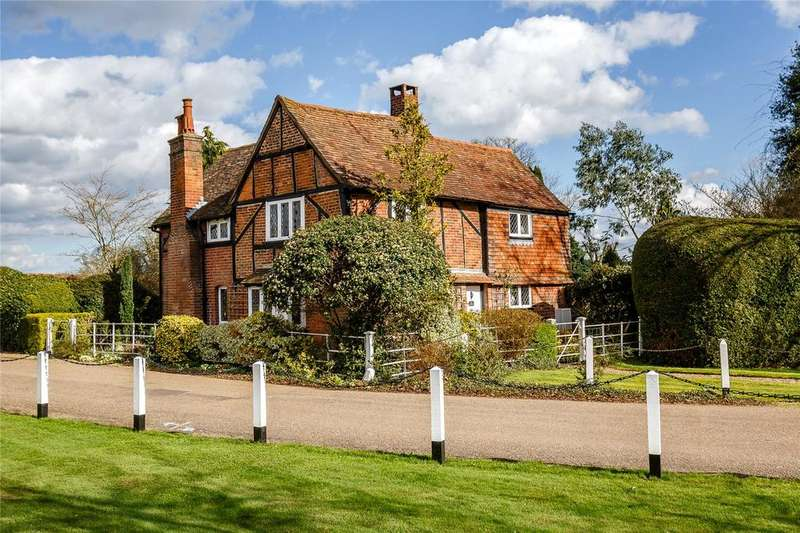 4 Bedrooms Detached House for sale in Childwick Green, Childwickbury, St. Albans, Hertfordshire, AL3