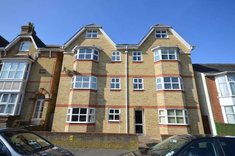 3 Bedrooms Apartment Flat for sale in Drake Road, Newport