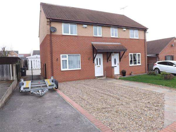 3 Bedrooms Semi Detached House for sale in Linden Road, Creswell, Worksop