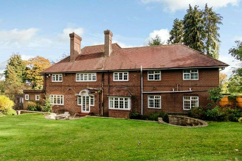 5 Bedrooms Detached House for sale in Astons Road, Moor Park