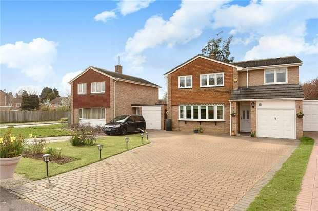 5 Bedrooms Detached House for sale in Marks Road, WOKINGHAM, Berkshire
