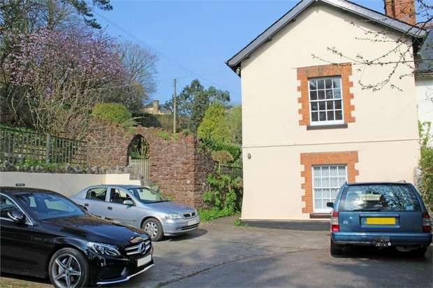 2 Bedrooms Flat for sale in Stokeinteignhead, Newton Abbot, Devon