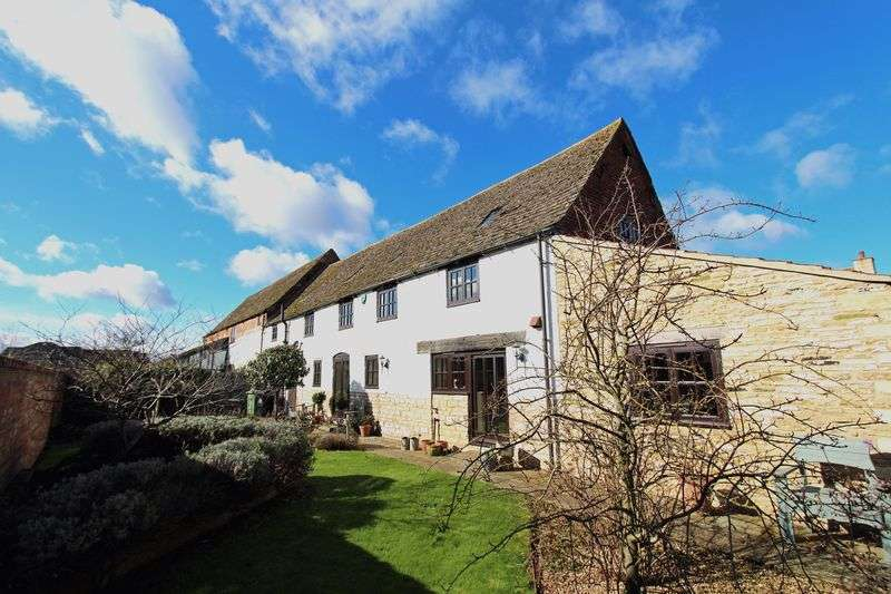 4 Bedrooms House for sale in Wonderfully Renovated Barn conversion Pannell Court, Baston
