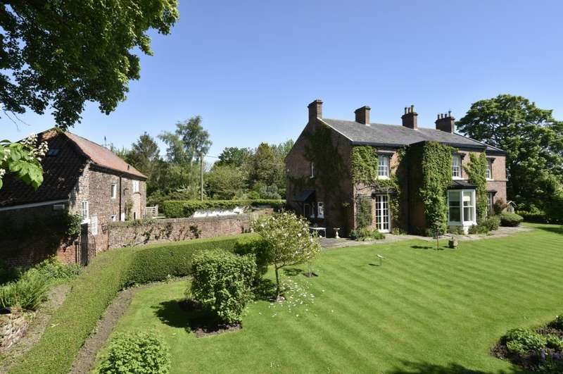 5 Bedrooms Country House Character Property for sale in The Old Rectory, West Rounton, Northallerton, DL6 2LL