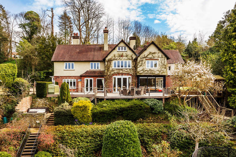 7 Bedrooms Detached House for sale in Woodhurst Lane, Oxted, RH8