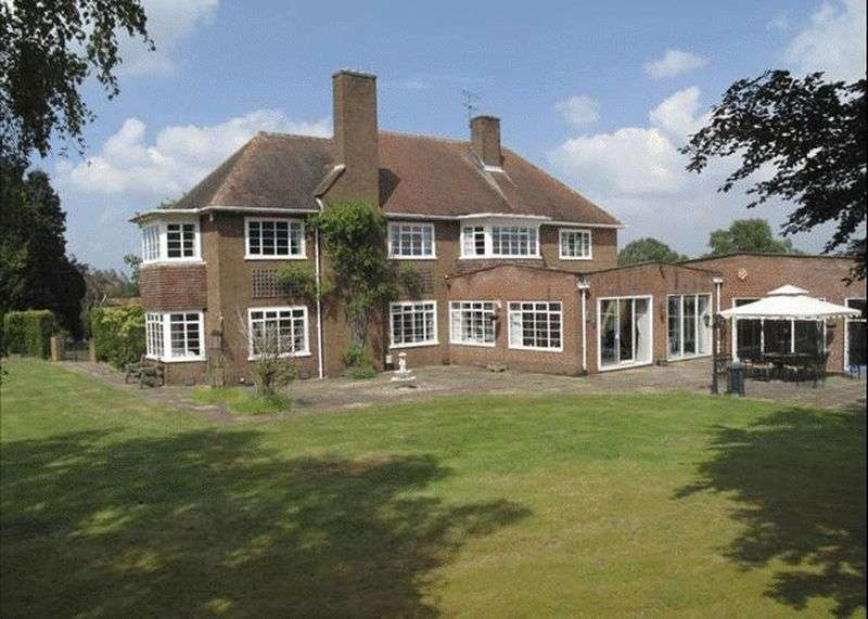 6 Bedrooms Detached House for sale in White Hill, Stourbridge