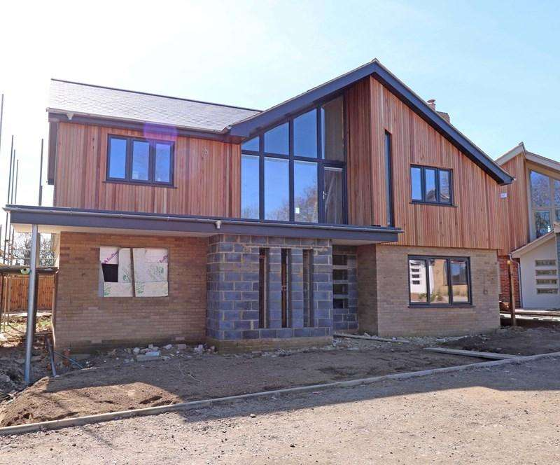 4 Bedrooms Detached House for sale in Long Street, Great Ellingham, Attleborough