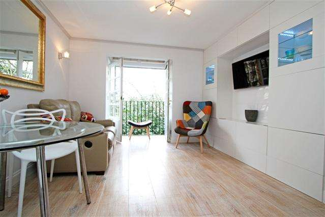 1 Bedroom Flat for sale in Selhurst Close, Wimbledon