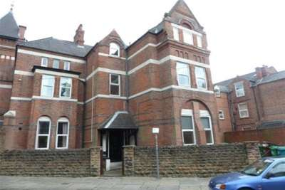 4 Bedrooms Flat for rent in Gedling Grove, Student Property, NG7