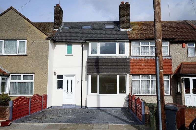 4 Bedrooms Terraced House for sale in Extended 4 Double Bedroom, 3 Reception Room House, Julia Gardens, Barking