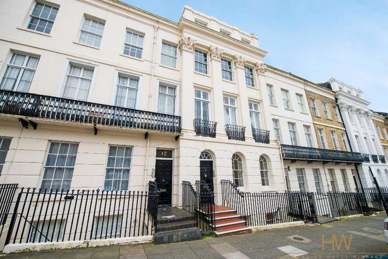 1 Bedroom Studio Flat for sale in Portland Place, Brighton, East Sussex, BN2 1DH