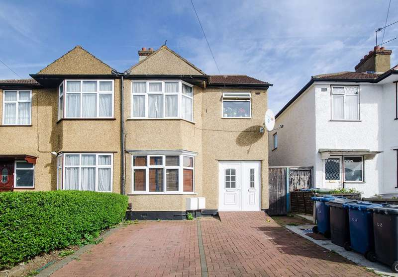2 Bedrooms Flat for sale in Toorack Road, Harrow Weald, HA3
