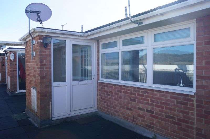 2 Bedrooms Flat for sale in Insley Gardens, Hucclecote, Gloucester