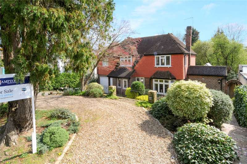 4 Bedrooms Detached House for sale in Ruxley Crescent, Claygate, Esher, Surrey, KT10