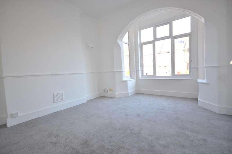 4 Bedrooms Flat for sale in Wellington Gardens London SE7